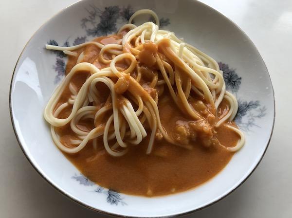 オマール海老のトマトクリームソースと、キタッラという生パスタ