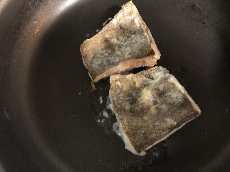 めばるのこんがりバター照り焼きの調理